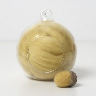 Merino yellow 42 wool top 10g